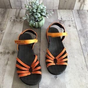 Teva Orange Kayenta  Strappy Sandals Size 7